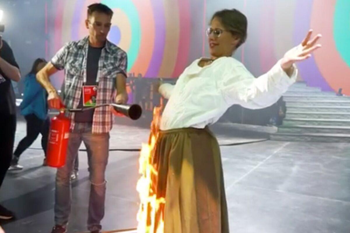 Картинки по запросу киркоров поджег собчак