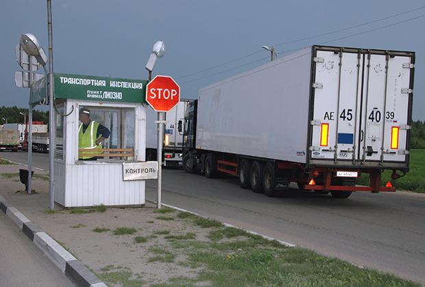 Начиная с 1990-х годов в Россию через Белоруссию идет поток контрабандных товаров