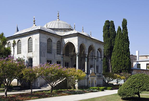 Главный вход во дворец Топкапы