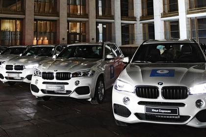 Оставшиеся без Олимпиады спортсмены получили автомобили BMW