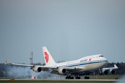 Самолет с Ким Чен Ыном в полете сменил курс и номер рейса