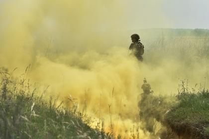 Участники во время тактических учений украинских военных на Яворивском полигоне во Львовской области