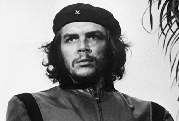 Фотограф Альберто Корда сделал знаменитый снимок Че Гевары в 1960 году. Этот портрет, в который влюблены тысячи женщин по всему миру, стал своего рода подтверждением его кристально чистого образа.