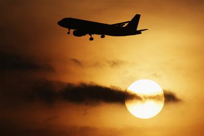 Жители  Российской Федерации  устроили нетрезвый  дебош наборту самолета Москва-Ереван