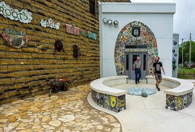 Туалет Bowl Plaza, штат Канзас, США