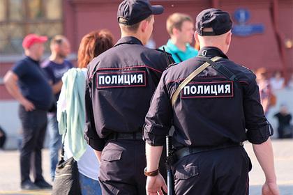 Красноярская учительница задела ногу полицейского и стала фигурантом дела