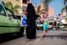 Долгосрочный проект Яссина Алаула Исмаили «Касабланка не кино» начался еще в 2014 году. Фотограф позиционирует его как любовное письмо городу, который он считает родным. Название серии содержит отсылку к культовому фильму «Касабланка», который снимался не в африканском городе, а в голливудской студии.  <br> <br>  Яркая подборка Исмаили — в числе победителей конкурса CAP.