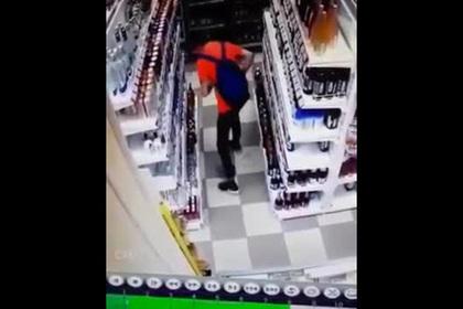 Вор-танцор стащил водку и попал на видео