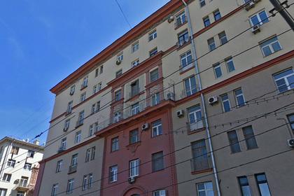 Со «сталинки» на Ленинском проспекте спилили балкон ради ЧМ-2018