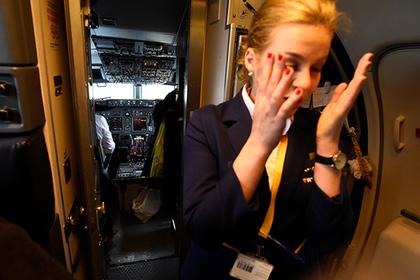 Десятки ирландцев устроили потасовку в самолете и сорвали рейс на Ибицу