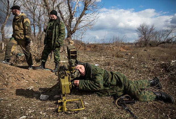 Бойцы вооруженных сил ДНР в районе Горловки