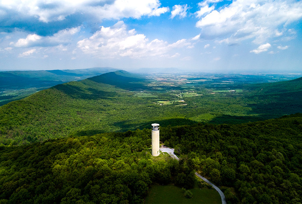 «Пушечное ядро» расположено на вершине Крестовой горы в Аппалачах (Пенсильвания). Башня-убежище являлась частью той же системы, что и «Штопор».