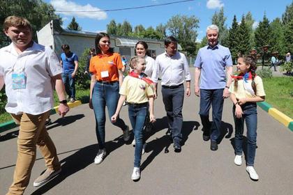 Воробьев и Собянин сыграли в футбол Перейти в Мою Ленту
