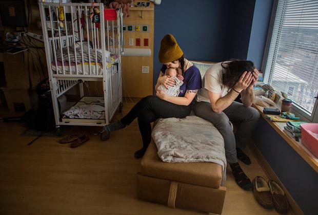 «В какой-то момент я рисковал потерять двух моих девочек. Спустя четыре невыносимо длинных месяца настал тот день, которого я так ждал. Мы можем привезти ее домой и сказать: она здесь».
