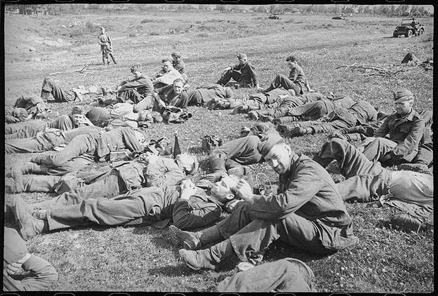 Пленные немцы под Орлом.