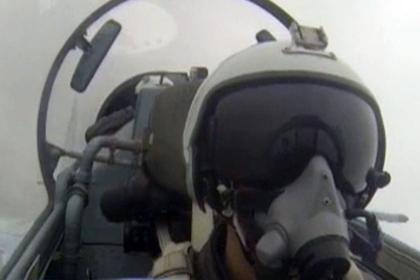 Полет Су-35 на сверхнизкой высоте попал на видео