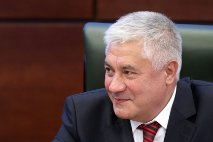 Попавший под санкции глава МВД получил визу США