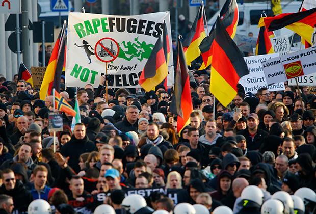 Сторонники антимигрантского движения ПЕГИДА осудили нападения на женщин в Кельне