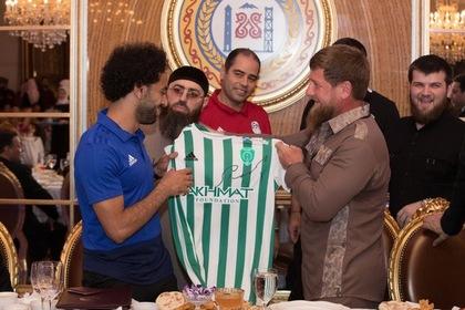 Кадыров одарил Салаха
