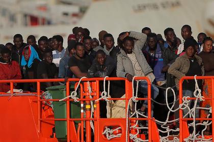В Италии запретили спасать утопающих беженцев