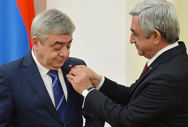 Левон (слева) и Серж Саргсяны