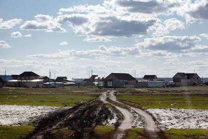 Россияне не дождались помощи государства и сами начали строить себе больницу