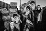 Проект Фаршида Тигехсаза посвящен страхам и последствиям Исламской революции в Иране, а также влиянию восьми лет войны, которая будет отдаваться эхом на протяжении жизни многих будущих поколений.