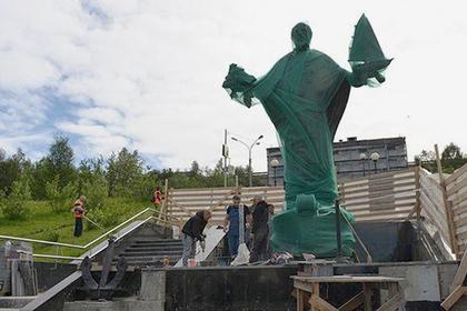 В Мурманске откроют памятник cвятому Николаю по написанной Конюховым иконе