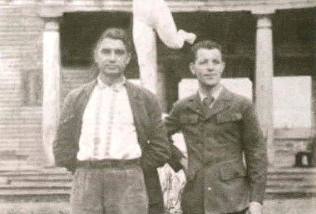 1944 год. Николай Старостин (слева) на стадионе в Ухте во время отбывания срока