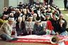 """Были и те, кто приравнивал возвращение Гонконга к его гибели. Они <a href=""""http://archive.fortune.com/magazines/fortune/fortune_archive/1995/06/26/203948/index.htm"""" target=""""_blank"""">предрекали</a>, что британцы вскоре полностью потеряют свое влияние, официальный английский язык сменится на китайский и кантонский, а «выборная» администрация будет назначаться из Пекина. В общем, не будет Китай считаться с особенностями Гонконга.     <br><br>  Обещание не вмешиваться в жизнь Гонконга Пекин не выполнил. Уже в 2003 году гонконгское законодательство дополнилось статьей, по которой запрещались «любые действия по подрыву авторитета и деятельности Коммунистической партии Китая, политическая деятельность иностранных политических организаций, а также установление контактов с ними». Тогда полтора миллиона гонконгцев вышли на улицы в знак протеста, и нововведение пришлось отменить."""