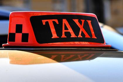 Таксист избил россиянина за громкий хлопок дверью и пошел под суд