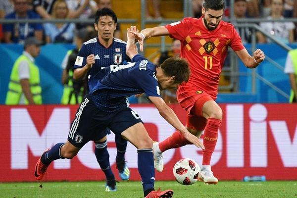 Футболисты Бельгии и Японии