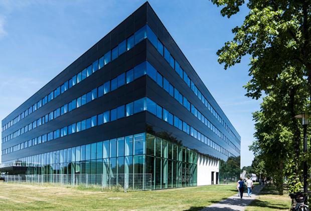 Здание научно-исследовательского центра Nutricia в Утрехтском научном парке