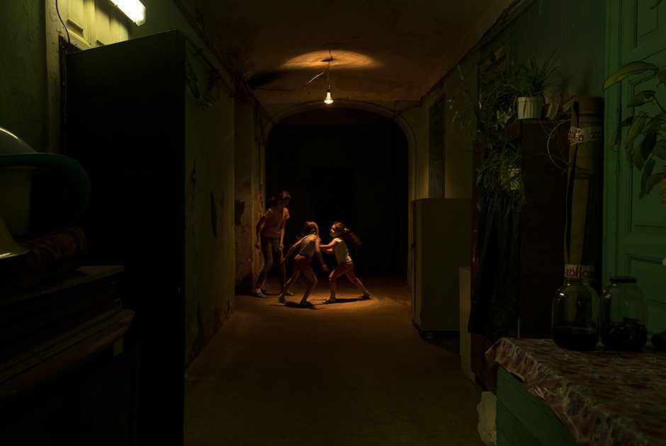 Некоторые коридоры напоминают катакомбы