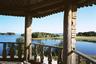 С колокольни XVII века открывается прекрасный вид на Онежское озеро с его большими и малыми островками.