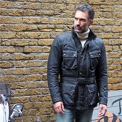 В коллекции Belstaff Pure Motorcycle есть и вот такая куртка, вдохновленная нарядом Эрнесто Че Гевары, в котором он проехал на мотоцикле всю Южную Америку.