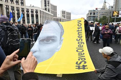 Сестра Сенцова: завремя голодовки онпохудел на15кг