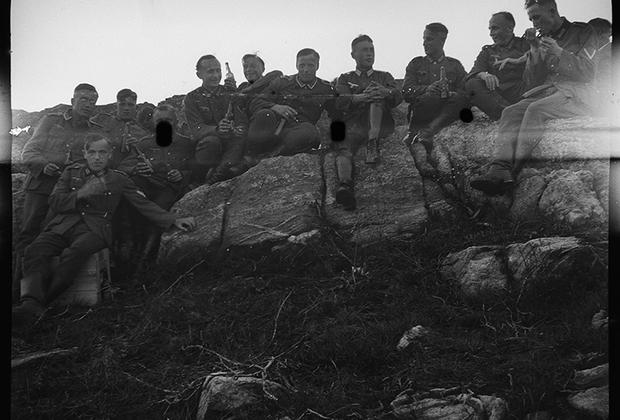 Праздничное мероприятие в немецкой армии. Норвегия, 1940 год.