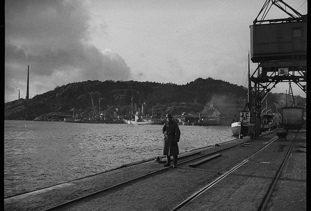 Немецкий солдат во время службы. Норвегия, 1940 год.