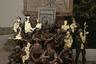 Проект «Искры» — это портрет военных действий в Украине. Автор встретилась с жертвами войны и попыталась понять и показать, как конфликт повлиял на окружающую среду и жизнь простых людей. Историю фотограф сложила из фотографий, видео, коллажей и материалов с мобильных телефонов солдат.   <br> <br>  В проекте в основном собраны портреты молодых непрофессиональных бойцов. Они пошли воевать в кроссовках с оружием, украденным из музея. Они оставили свои прежние личности и профессии: философ, механик, астроном, музыкальный диджей, банковский ассистент, старшеклассник, — никто из них не был готов к тому, что им предстояло испытать. Тот, кто выжил, никогда не станет прежним.