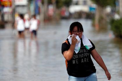 Число жертв ливней в Японии возросло до 100