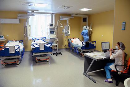 Родственникам пациентов разрешили круглые сутки посещать реанимации столичных клиник
