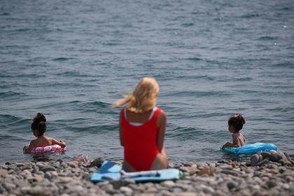 Туристам запретили купаться в Черном море