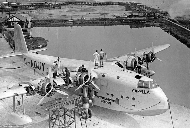 В отличие от Германии, сделавшей ставку на привычные самолеты, в Британской империи популярностью пользовались летающие лодки. Например, среднемагистральная лодка Short S.23, созданная в 1930-е годы для использования в многочисленных колониях. Основными операторами S.23 были Imperial Airways, пришедшая ей на смену British Overseas Airways Corporation (BOAC), австралийский Qantas и новозеландская Tasman Empire Airways Limited (TEAL). На борту лодки располагались салон, кухня, грузовое отделения и туалет.