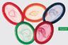 Несколько менее провокационная, но вполне доходчивая анти-СПИД-реклама превратила цветные презервативы в аллегорию олимпийских колец, символизирующих континенты. Посыл считывается моментально: компания United Colors of Benetton объединяет не только цвета, но и части света в борьбе со смертельной болезнью и предлагает использовать барьерную контрацепцию. Кстати, цветные кондомы действительно некоторое время продавались в магазинах марки.