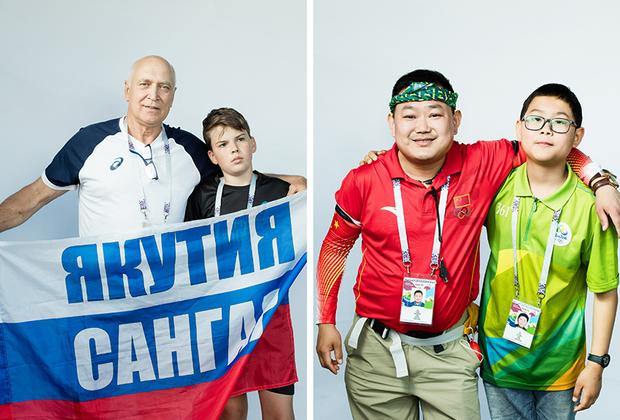<i>Слева:</i> Петрович с внуком Ильей из Якутии.  <br> <br> <i>Справа:</i> Китайский болельщик с сыном. Приехал с семьей. Общается с помощью Google-переводчика.