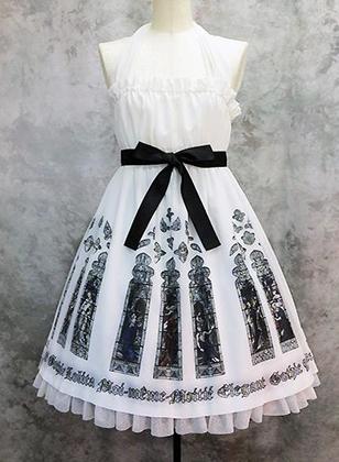 Мана, будучи одним из создателей стиля, продолжает оказывать на него огромное влияние. Например, Moi-meme-Moitie предлагает для ГосуРори не только черные, но и белые платья, а готический дух передается черными лентами и принтом.