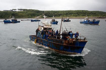 Рыбаки запротестовали гудком