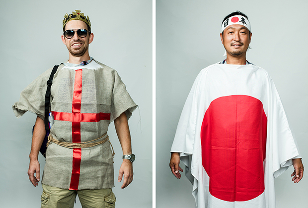 <i>Слева:</i> Женя из Израиля. Приехал с другом, костюм сделал сам в то же утро, когда проходила съемка. Болел за Англию. <br> <br> <i>Справа:</i> Йоши из Японии, совсем не говорит по-английски.