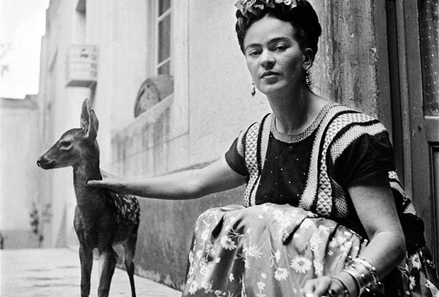 Художница скончалась 13 июля 1954 года в возрасте 47 лет. Официальная причина смерти — тромбоэмболия легочной артерии. Медсестра, ухаживавшая за Кало, заявила, что в ночь перед смертью Фрида превысила допустимую дозу обезболивающих.